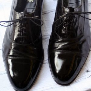 Florsheim Cap Toe Shoe in size 8 1/2 EEE